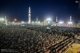 گزارش تصویری نماز جماعت با شکوه مسجد جمکران در شب میلاد آقا